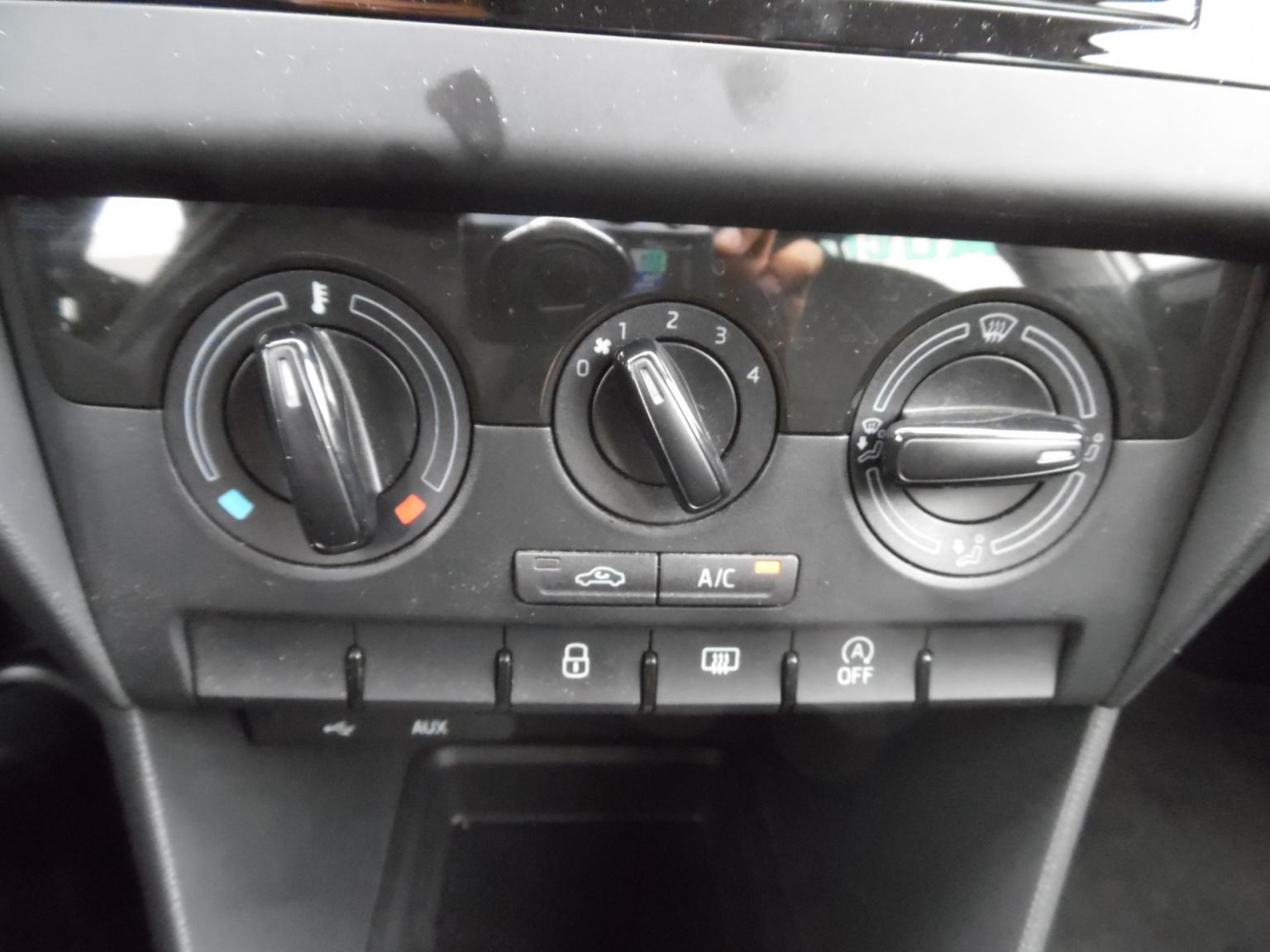 Škoda-Rapid-12