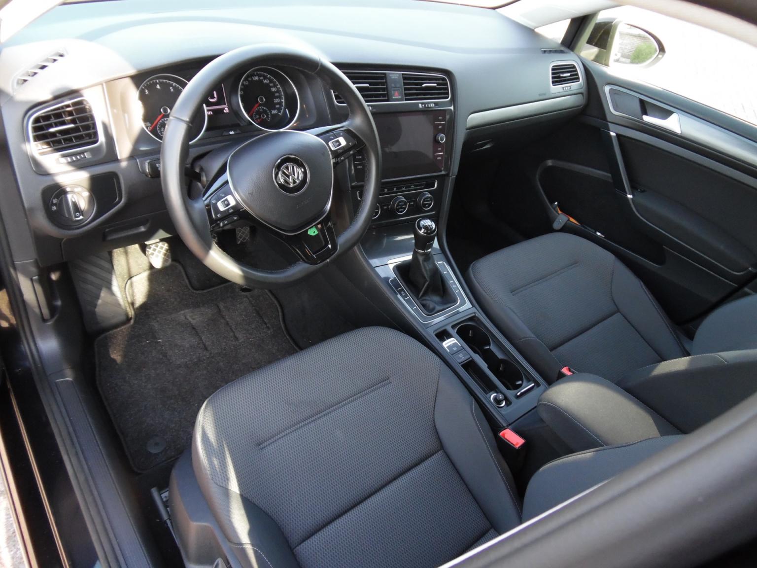 Volkswagen-Golf-5