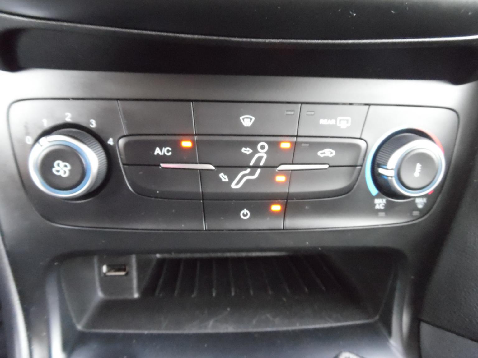Ford-Focus-11