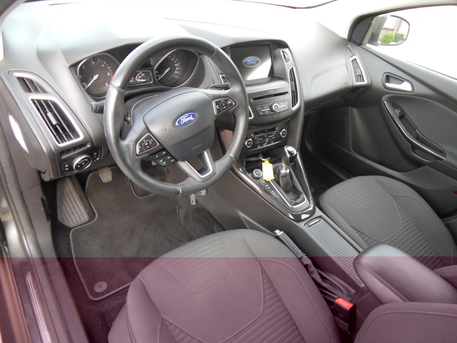 Ford-Focus-5