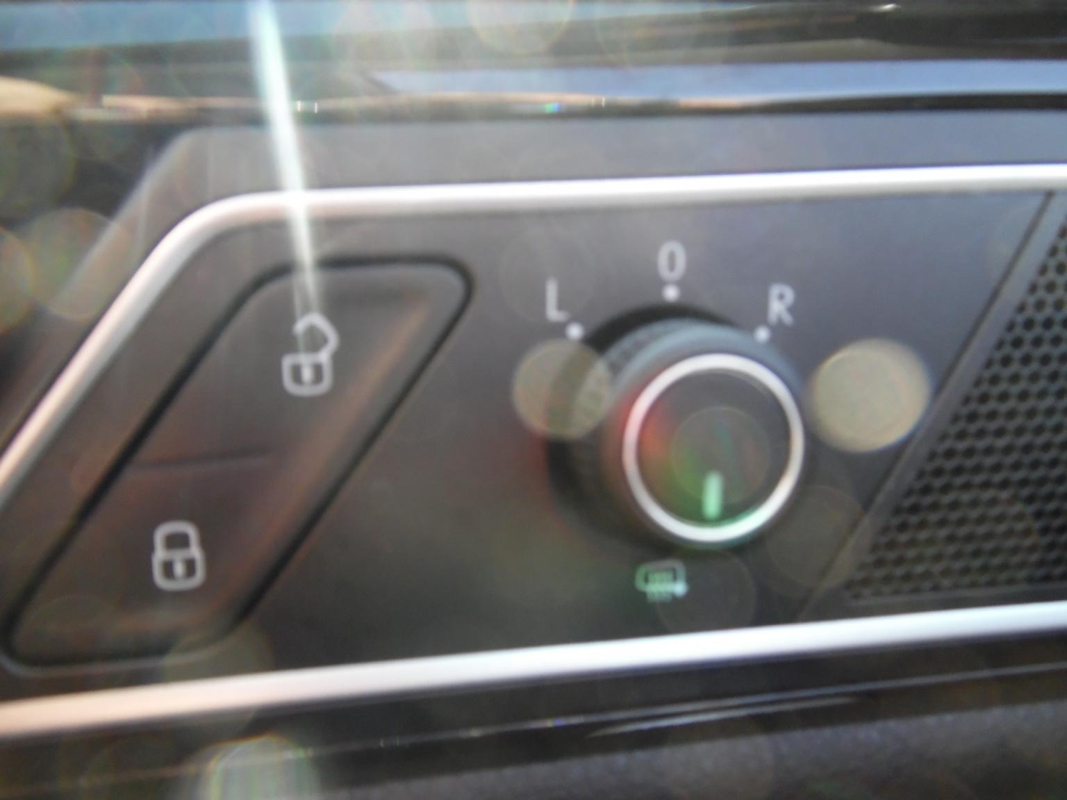 Volkswagen-Golf Sportsvan-16